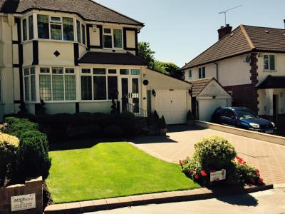 Vibrant Front Lawn – Treated By GreenThumb Croydon