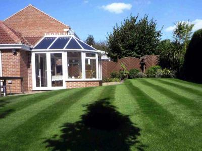 Customer Lawn Westwoodside