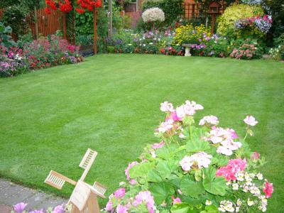 Another small lawn treated by Greenthumb Notts North